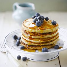 Pancake rapide Discover our quick and easy quick pancake recipe on Actual Cuisine! Greek Yogurt Pancakes, Almond Flour Pancakes, Chocolate Chip Pancakes, Cake Mix Pancakes, Pancakes Easy, Fluffy Pancakes, Pancakes Dukan, Quick Pancake Recipe, Pancake Recipes