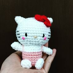 Hello Kitty Amigurumi. Check this out on our @shopee_my store. Link to store in profile #crochet #handmade #hellokitty #miaw #craft #instacrochet #colourful #crochetkaki #amigurumi #ShopeeMY by crochetkaki