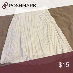 Calvin Klein white pleated skirt Calvin Klein white midi length pleated skirt size small Skirts Midi