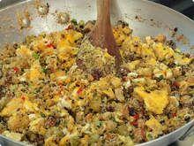 Farofa - Aprenda a receita da farofa salgada,doce e de ovos  - Mais você