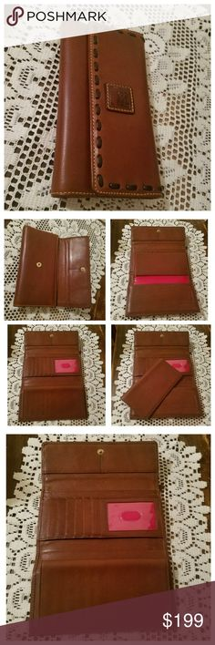 Dooney & Bourke Florentine Wallet D&B Florentine Leather Wallet w/removable checkbook cover in Chestnut w/T-Moro stitching. In execellent condition! Dooney & Bourke heat stamp pictured for authenticity. From my 🚬🆓🐶🐱🆓🏠. Please do NOT comment about pricing or try to negotiate a price in the comment section. ✌ 〰N🚫 TRADES, N🚫 HOLDS, N🚫 LOWBALL OFFERS〰 Dooney & Bourke Bags Wallets