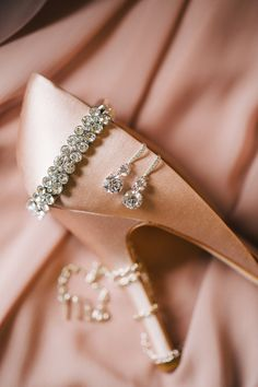 Elegant Chicago Wedding from Jenelle Kappe Photography Shades Of Peach, Peach Blush, Fashion Moda, Girl Fashion, Glamour, Looks Style, Peach Colors, Girly Things, Pretty In Pink