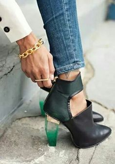 Wow I loooove this shoes!!!! <3