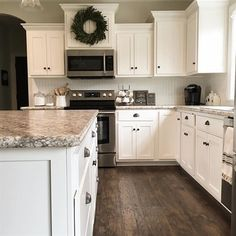 Modern White Kitchen Decor Ideas - Kitchen sinks come in many design and varieties. In order to get your dream kitchen sink, you have to first decide on the characteristics you look for. New Kitchen Cabinets, Kitchen Redo, Home Decor Kitchen, Kitchen Flooring, Kitchen And Bath, Home Kitchens, Kitchen Ideas, Flooring Store, Kitchen Counters