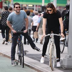 Star Tracks: Monday, May 25, 2015 | BIKE BOYS | Zachary Quinto (left) and Miles McMillan ride their bikes in New York City on Friday.