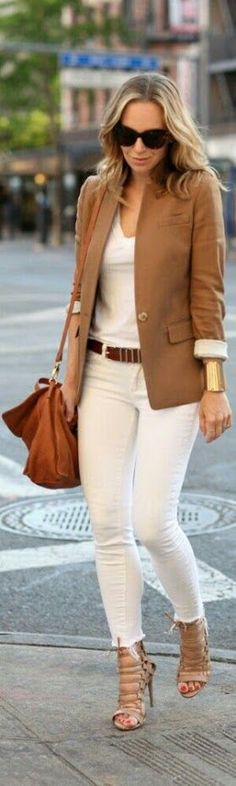 all white ensemble w/ dark tan blazer + nude strappy heels | skirttheceiling
