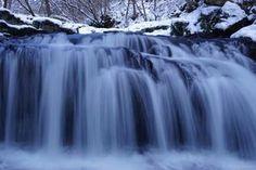 一関市大東町にある小黒滝は四季折々に美しい姿を見ることが出来ます。冬の小黒滝の景色と、デジタル一眼(ミラーレスですが)での滝の撮影方法を紹介というより、自分の覚書的に掲載します。NDフィルターを使わない、素人の撮影方法です。  #滝 #waterfall