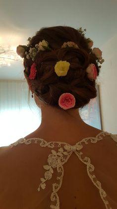 Hairstyle Wedding Flowers Klagenfurt, Hairstyle Wedding, Wedding Flowers, Crochet Necklace, Jewelry, Fashion, Hair Makeup, Moda, Hair Style Weddings