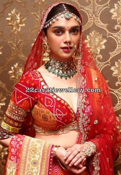 Aditi Rao Hydari Heavy Polki Diamond Choker Aditi Rao Hydari Heavy Polki Diamond Choker in 2020 Indian Bridal Outfits, Indian Designer Outfits, Designer Dresses, Desi Wedding Dresses, Bridal Lehenga Collection, Designer Bridal Lehenga, Indian Blouse, Indian Celebrities, Indian Beauty Saree