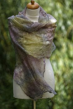 Handmade, using only natural materials: merino wool and tencel. The scarf is very light, its weight is about 40 g. Nuno Felting, Felted Wool, Beret, Slow Fashion, Natural Materials, Merino Wool, Shawl, Street Style, Summer
