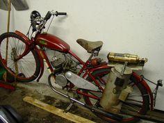 WWII swedish motorized Bicycle using wood gas - Motorized Bicycle Engine Kit Forum Gas Bike Kit, Bicycle Engine Kit, Best Fish For Aquaponics, Aquaponics Diy, Wood Gasifier, 10 Gallon Fish Tank, Motorized Bicycle, Rocket Stoves, Led Grow Lights