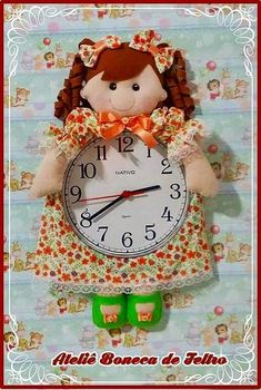 Christmas Clock, Christmas Ornaments, Sewing Rooms, Dolls, Holiday Decor, Clock Craft, Fabric Dolls, Clock Art, Old Granny
