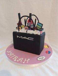Mac cake - Cake by jameela Girly Cakes, Fancy Cakes, Cute Cakes, Make Up Torte, Make Up Cake, Makeup Birthday Cakes, 18th Birthday Cake, Birthday Kids, Unique Cakes