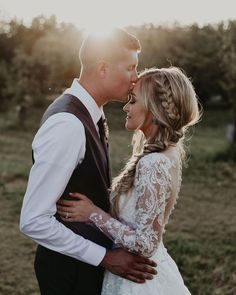 Wedding Photography - timeless pose at golden hour for newly married couple wedding engagement hairstyles 2019 - Wedding Picture Poses, Wedding Poses, Wedding Photoshoot, Wedding Shoot, Wedding Couples, Dream Wedding, Wedding Day, Wedding Dresses, Wedding Tips
