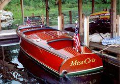 Classic Wooden Runabout - Miss Cris...LLA