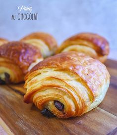 Pains au chocolat - The Best Spanish Recipes Cooks Illustrated Recipes, French Patisserie, Gnocchi Recipes, French Toast Bake, Dessert Bread, French Food, Cooking Time, Sweet Recipes, Breakfast Recipes
