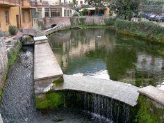 Der Gardasee rühmt sich mit seinen 25 Zuflüssen auch des kürzesten Flusses der Welt, des kleinen Flusses Aril!