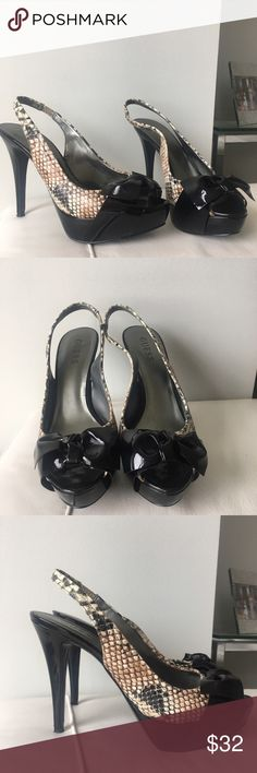 💕 Sexy GUESS Sling-back Heels 💕 Excellent condition! Comfy with platform. Sling back. Guess Shoes Heels