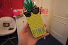 vs pink iphone case. ♡