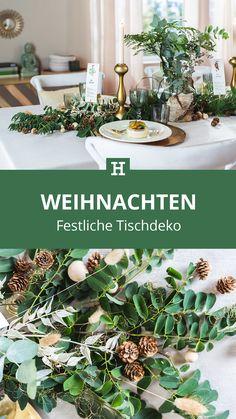 Süßer, äh Verzeihung grüner die Glocken nie klingen und während sich einige Weihnachtsmuffel noch vor dem Fest der Liebe sträuben, zeigen wir euch im dritten Teil aus unserer Serie festliche Tischdeko, mit welchen Tipps und Tricks man selbst mit jeder Menge natürlichen Elementen für einen großen weihnachtlichen Wow-Effekt an einer gedeckten Tafel sorgen kann. Tricks, Table Decorations, Plants, Furniture, Home Decor, Green Christmas, Love, Decoration Home, Room Decor