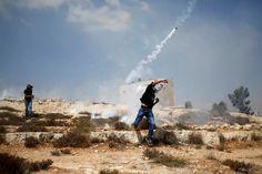GUERRA SANTA 05 - 7 de Julio - Luego de la confesión de israelíes extremistas adjudicándose el secuestro y muerte del joven palestino, el brazo armado de Hamas lanza cohetes contra Israel.
