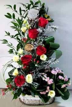 BCOhS-j6TsyraWQz1RJU8UJltnRvQ7C-EYzlg1Vq Good Morning Images, Meeting New People, Love Flowers, Purple, Pink, Christmas Crafts, Floral Wreath, Bouquet, Wreaths