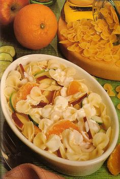 Ensalada de pasta con naranja