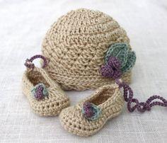 https://www.etsy.com/es/listing/160615633/baby-girl-crochet-hat-and-ballet-flat