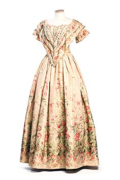 Printed silk dress, c. This two-piece dress with full skirt and laced bodice would have been the height of fashion for mid century. It may have been worn by the donor's grandmother, Ellen Cox Murray who married Isaac Stockton Keith Bennett in Vintage Outfits, Vintage Gowns, Vintage Mode, Dress Vintage, 1850s Fashion, Victorian Fashion, Vintage Fashion, Victorian Dresses, Steampunk Fashion