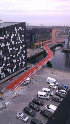Resultado de imagen para puente peatonal contemporaneo bicisenda