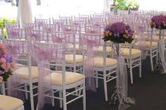 Bilderesultat for chiavari chairs with sash Wedding Chair Bows, Wedding Chairs, White Wooden Rocking Chair, Garden Lounge Chairs, Office Chairs, Fire Pit Table And Chairs, Cheap Chairs, Chiavari Chairs, Camp Wedding