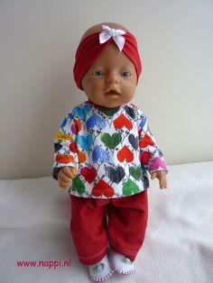 Winterkleding / Baby Born 43 cm | Nappi.nl Eigen ontwerp. (behalve de slofjes, die zijn van Christel Dekker)