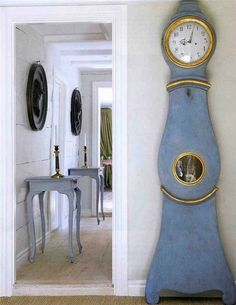 We love the sheer simplicity and grace of this blue and gold Mora clock. From Cote de Texas. Swedish Decor, Swedish Style, Swedish House, Swedish Design, Nordic Style, Danish Design, Swedish Interiors, Scandinavian Interior, Home Interior