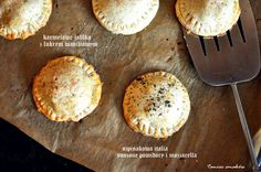 Taniec Smaków: Hand pies - kawałek tarty do ręki Hand Pies, Camembert Cheese, Muffin, Breakfast, Food, Morning Coffee, Essen, Muffins, Meals