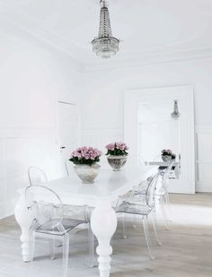 Shabby Chic Dining Room Ideas Images) - Home Magez Shabby Chic Dining Room, Luxury Dining Room, Dining Room Design, Dining Room Chairs, Shabby Chic Furniture, Ghost Chairs Dining, Acrylic Dining Chairs, Dining Area, Wooden Chairs