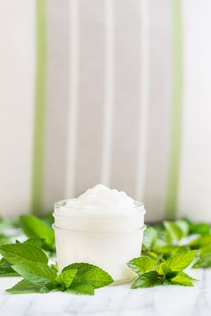 This is a HUGE stock of lotion recipes in one easy-to-access page, so you can find the right DIY moisturizer for you. Homemade Deodorant, Homemade Shampoo, Homemade Skin Care, Homemade Products, Homemade Moisturizer, Moisturizer For Dry Skin, Diy Lotion, Lotion Bars, Homemade Beauty Tips