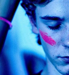 Find images and videos about funny, quotes and life on We Heart It - the app to get lost in what you love. Movies Showing, Movies And Tv Shows, Series Movies, Tv Series, Skam Tumblr, Noora And William, Skam Aesthetic, Noora Skam, Isak Valtersen