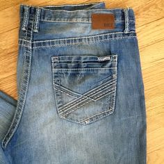 """BKE Buckle Men's Jeans Men's BKE Buckle """"Seth"""" Jeans in Size 42, with an inseam of 32. In really good shape & a stylish pair. BKE Jeans"""