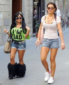 373a45fdd14b Italian style is NOT rubbing off on her! Snooki strolls through streets of  Florence in her worst outfit yet. Jwoww Jersey ShoreSnooki ...