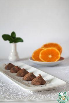 """Апельсиновые трюфели... Ингредиенты для """"Апельсиновые трюфели"""": Шоколад молочный (горький от 70% какао) — 100 г Сливки (33 %) — 50 г Джем — 55 г Апельсин (цедра) — 1 шт"""