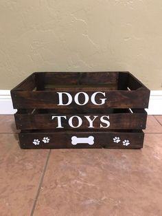 Dog toy box large Wooden crate toy box for your furry friend. Any color, any name, any wording available. Dog Room Decor, Dog Toy Box, Puppy Room, Pet Organization, Stuffed Animal Storage, Shipping Crates, Dog Rooms, Dog Mom Gifts, Dog Crafts