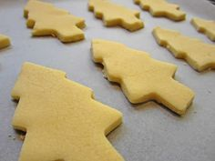 Christmas shortbread with thermomix. Here is a delicious shortbread recipe for . Shortbread Biscuits, Shortbread Recipes, Cookie Recipes, Thermomix Bread, Thermomix Desserts, Frozen Christmas, Christmas Tree Cookies, Recipe Land, Crack Crackers