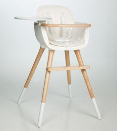 Designer baby chair in white - we love this clean style! #KidsWoodLove