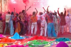 Holi Festival in India. The Holi (or Phagwah) Festival of Colors is an annual welcoming of spring in the Hindu religion. Holi Festival India, Holi Festival Of Colours, World Festival, Spring Festival, Hindu Festivals, Indian Festivals, Happy Holi Images, Holi Celebration, Festivals Around The World