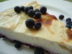 Dette er en oppskrift jeg fikk tilsendt på e-post av en av dere som leser bloggen. Tusen takk Therese! Det er flere som sender oppskrifter s... Lchf, Cheesecake, Pudding, Sweets, Desserts, Food, Drinks, Blogging, Tailgate Desserts