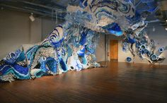 Enormous Tidal Wave of Plastic Engulfs a Gallery Space - My Modern Metropolis