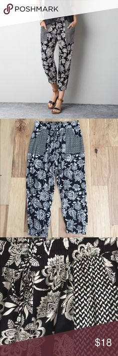 American Eagle soft ankle pants Like new only worn a few times. 15