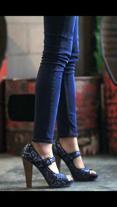 Niluh Djelantik's Dewi Wooden heel in blue Batik leather