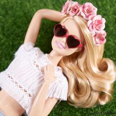 "40.7K 次赞、 113 条评论 - Barbie® (@barbiestyle) 在 Instagram 发布:""It's Friday and I'm feeling the fun, floral vibes! How are you unwinding this weekend? #barbie…"""