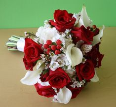 Fall Wedding Bouquets | Red and white flower bouquets for wedding on the Philadelphia Belle on ...